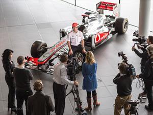 Checo Pérez se viste de McLaren