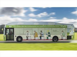 Inglaterra estrena autobús que funciona con excremento humano