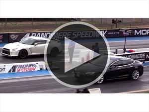 Video: ¿Quién gana una picada entre un Tesla Model S o un Nissan GT-R?