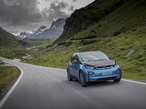 Entregados 100 mil autos híbridos y eléctricos de la familia BMW i