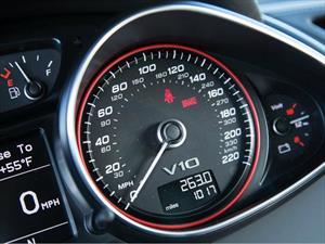 ¿Cuántas millas viajaron los automovilistas estadounidenses en 2014?