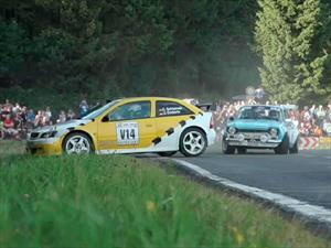 Video: Tracción trasera VS. Tracción delantera en un rally