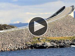 Video: Una de las rutas más peligrosas y hermosas del mundo