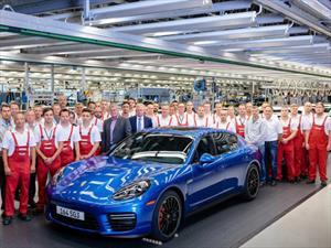 Porsche deja de producir la primera generación del Panamera