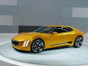 Kia GT4 Stinger Concept debuta