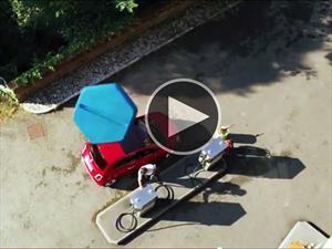 Video ¿Qué pasa cuando un FIAT 500 toma la pastilla azul?