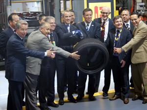 Pirelli produce su llanta un millón en México