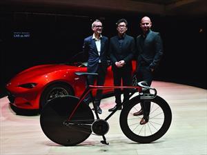 Mazda diseña una Bicicleta y un Sillón