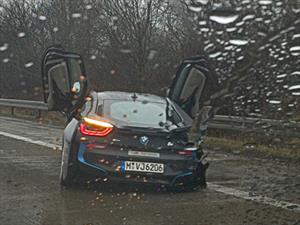 Mal: BMW i8 es chocado antes de su lanzamiento mundial