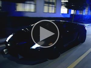 Lamborghini Huracán de la policía italiana persigue a un Gallardo Superleggera