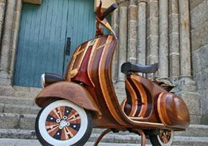 Vespa Daniela Scooter, un clásico hecho de madera