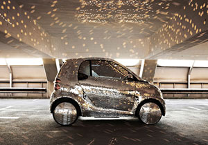 Smart Electric Drive Disco Ball Look, reflejo sobre ruedas