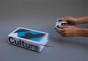 BMW Culture, libro con radio control integrado