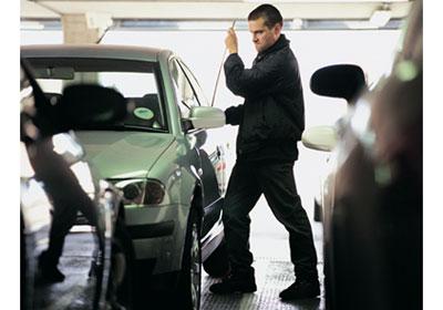 ¿Qué hacer si roban tu auto?