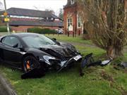 Choca su McLaren 650S sólo 10 minutos  después de comprarlo