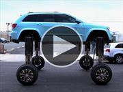 La solución al tráfico, un Jeep que pasa por encima de todos