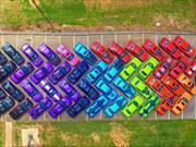 Crean un arcoíris con Dodge Challengers