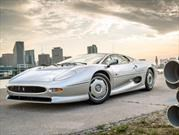 Uno de los míticos Jaguar XJ220 sale a la venta
