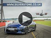 Video: Nissan GT-R vs Drone, duelo de Godzillas