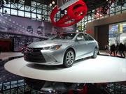 Toyota Camry 2015 se presenta