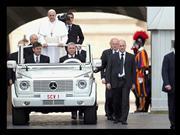 Top 10: Los Papamóviles más emblemáticos de la historia