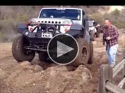 Video: Niña de 9 años manejando un Jeep