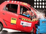 Prueba de choque del Tata Nano, el auto más barato del mundo