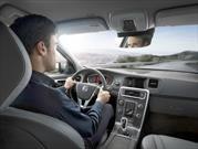 Escuchar música a todo volumen en el auto eleva el riesgo de un accidente