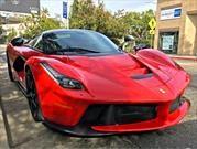 Floyd Mayweather no se conforma y compra ¡dos Ferrari LaFerrari!