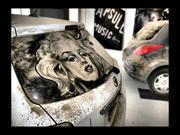 Obras de arte sobre el polvo de los carros