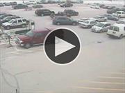Conductor de 92 años choca 9 autos en menos de 10 segundos