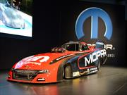 Dodge Charger RT Funny Car 2015 por Mopar, poder absoluto
