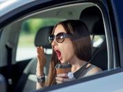 Evite que el estrés maneje su auto