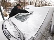 Crean cobertura repelente de hielo para parabrisas