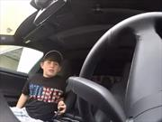 Padre trollea a su hijo con la función Summon de Tesla