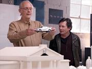 Marty McFly y Doc Brown de Volver al Futuro juntos gracias a Toyota