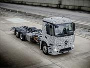 Mercedes-Benz presenta el primer camión totalmente eléctrico