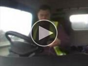 Video: Uno de los motivos por los que no debes usar el teléfono mientras manejas