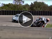 Porsche 918 Spyder Vs Yamaha YZF-R1 ¿cuál ganará?