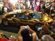 Rapero Flo Rida viste de oro su Bugatti Veyron
