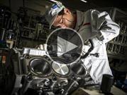 Video: Esta es la manera en que trabajan los artesanos de Nissan