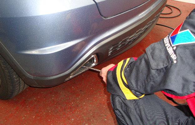 ¿Cuáles son los gases contaminantes más comunes que emiten los autos?