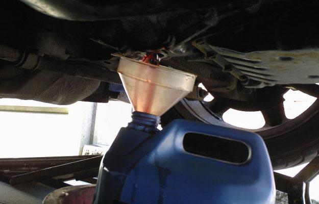 De los floreros 21099 si la gasolina ha caído en el aceite