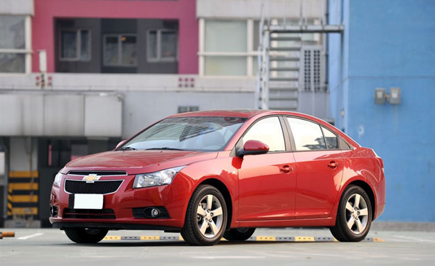 Venta de Autos Nuevos y Carros Usados, Especificaciones