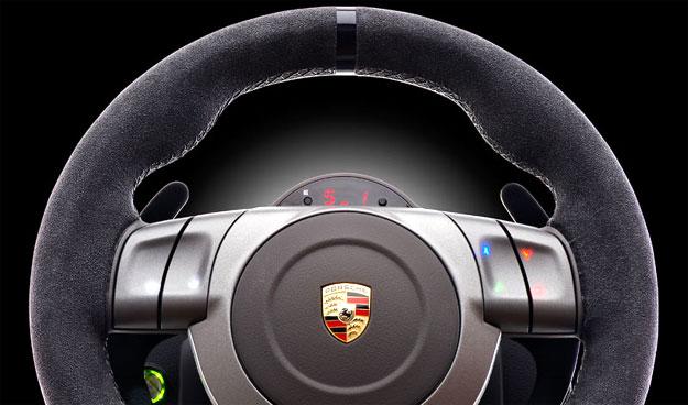volante fanatec porsche 911 gt2 r plica para el uso en videojuegos. Black Bedroom Furniture Sets. Home Design Ideas