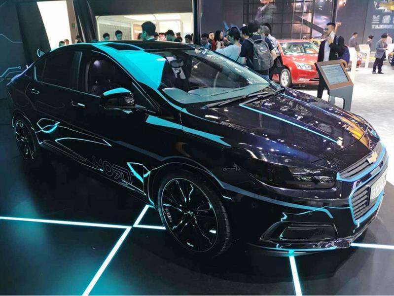 Chevrolet Cruze inspirado en Tron: Legacy