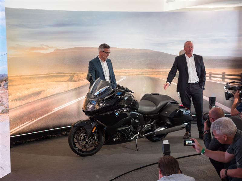 BMW K 1600 B sale a la luz