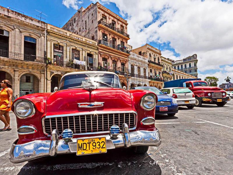 Luego de 55 a os cuba permitir importaciones de autos for Cuba motors el paso