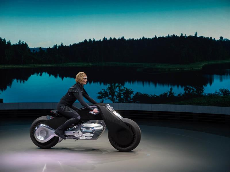 BMW Motorrad Vision Next 100 se presenta