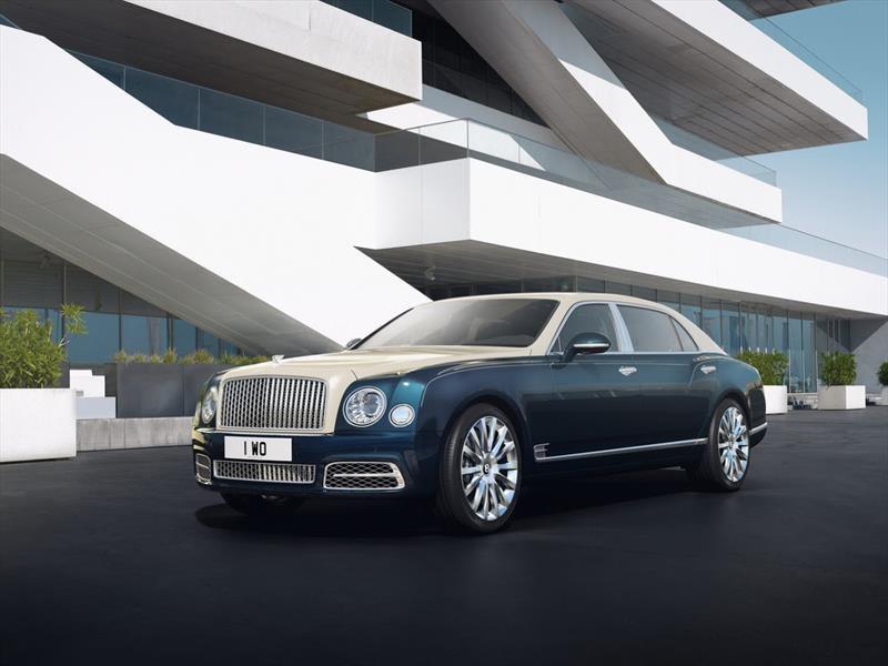 Bentley Mulsanne Hallmark Series by Mulliner, despliega sus metales preciosos en Ginebra